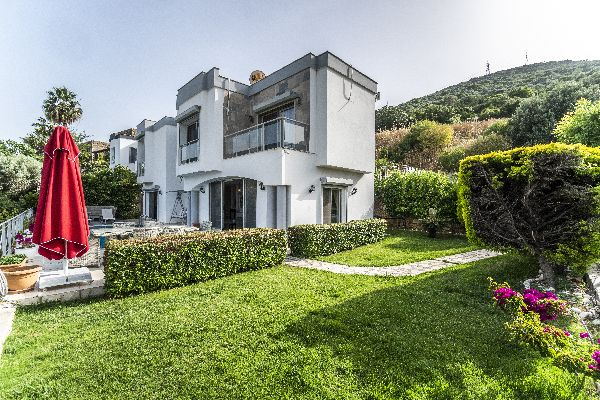 Villa Torba Hill, FPhoto 2
